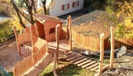 Spielplatz-Baumhaus