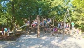 Spielplatz-Klettergestell-3