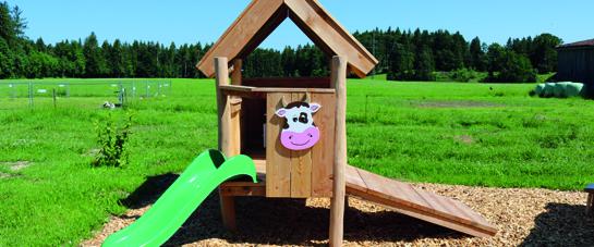 Kleinkindbereich mit Haus und Rutsche
