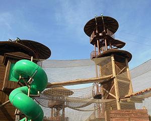 Adventure Playground Turm mit Rutsche
